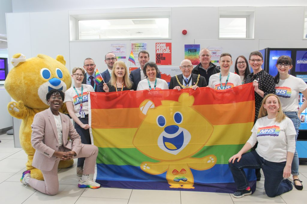 Rainbow Team and executive team at Sheffield Childrens with, Theo Bear, Dr Ronx, Councillor Jackie Drayton, Lord Mayor Tony Downing